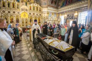 прощание с новопреставленным архимандритом Ювеналием